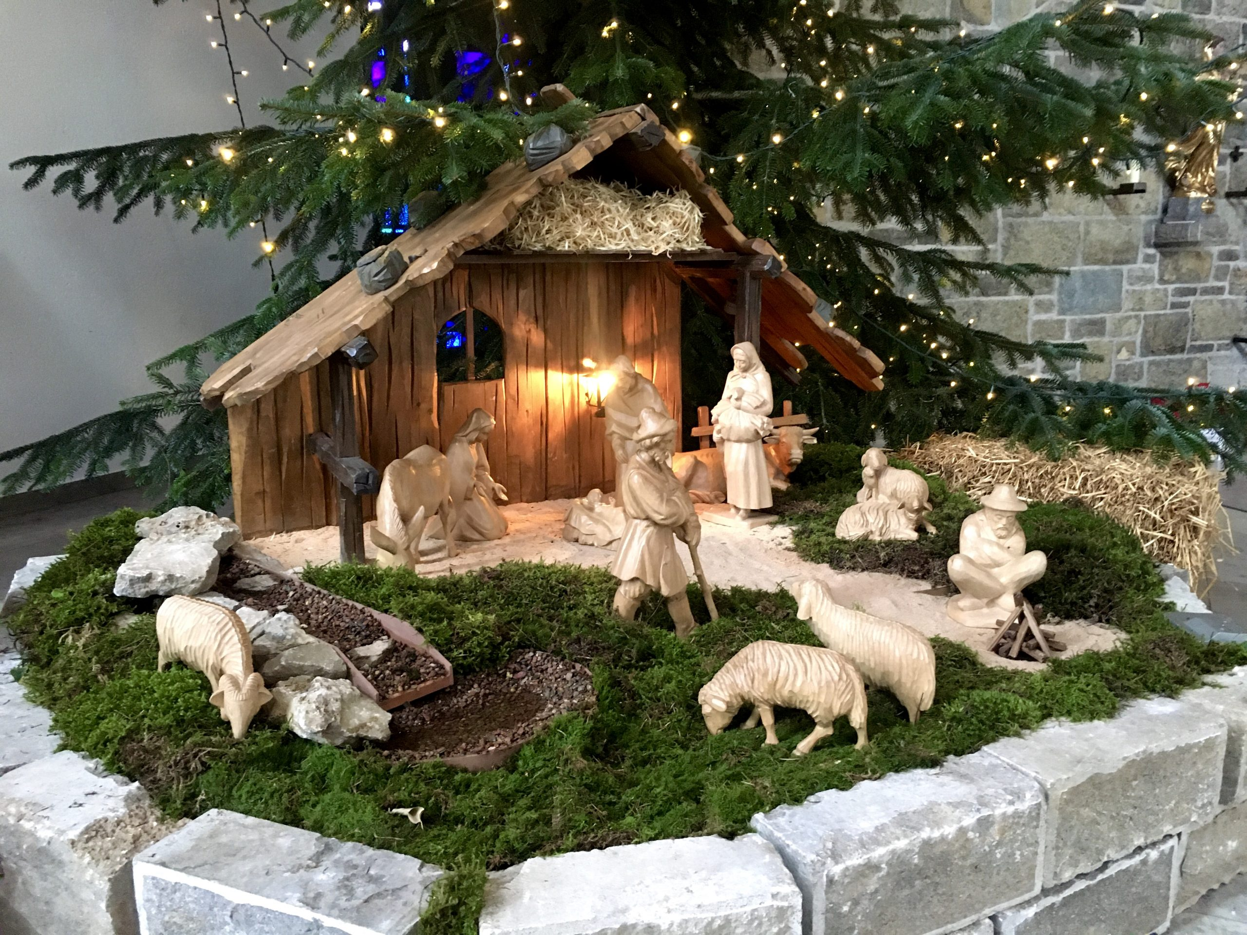 Weihnachtskrippe St. Josef